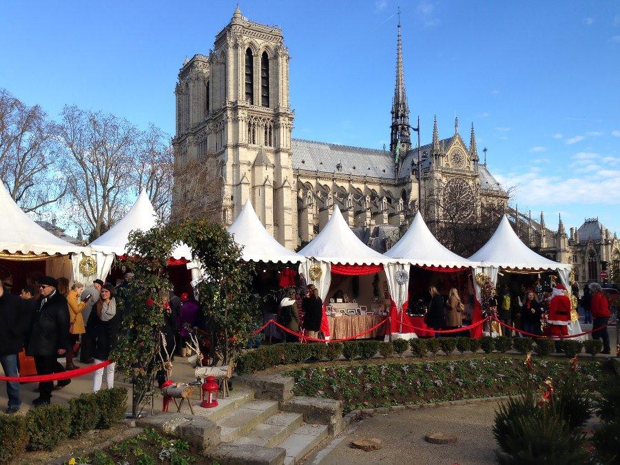 mercatini di natale parigi notre dame de paris