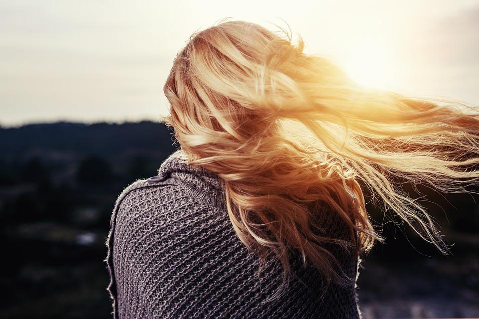 capelli over 40 prevenire l'invecchiamento