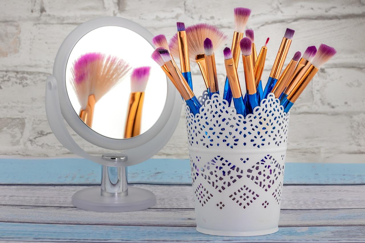 come pulire i pennelli per il trucco in maniera corretta