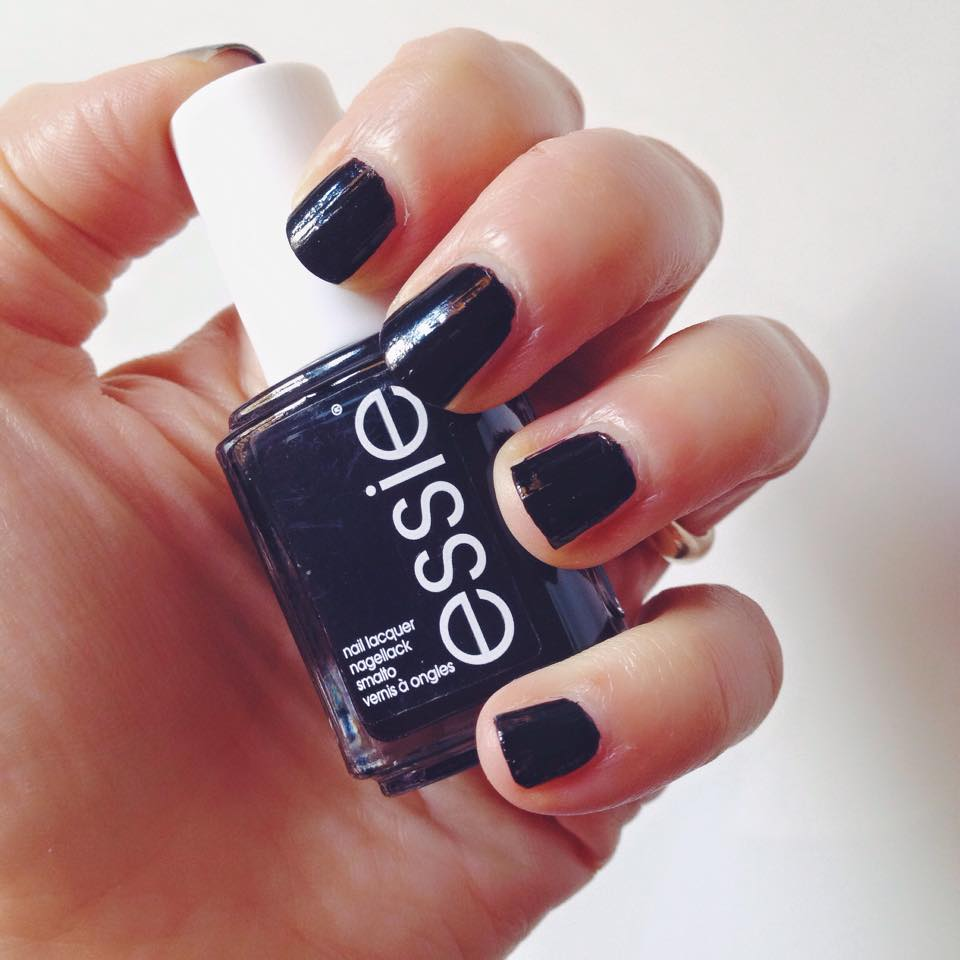 smalto-licorice-essie
