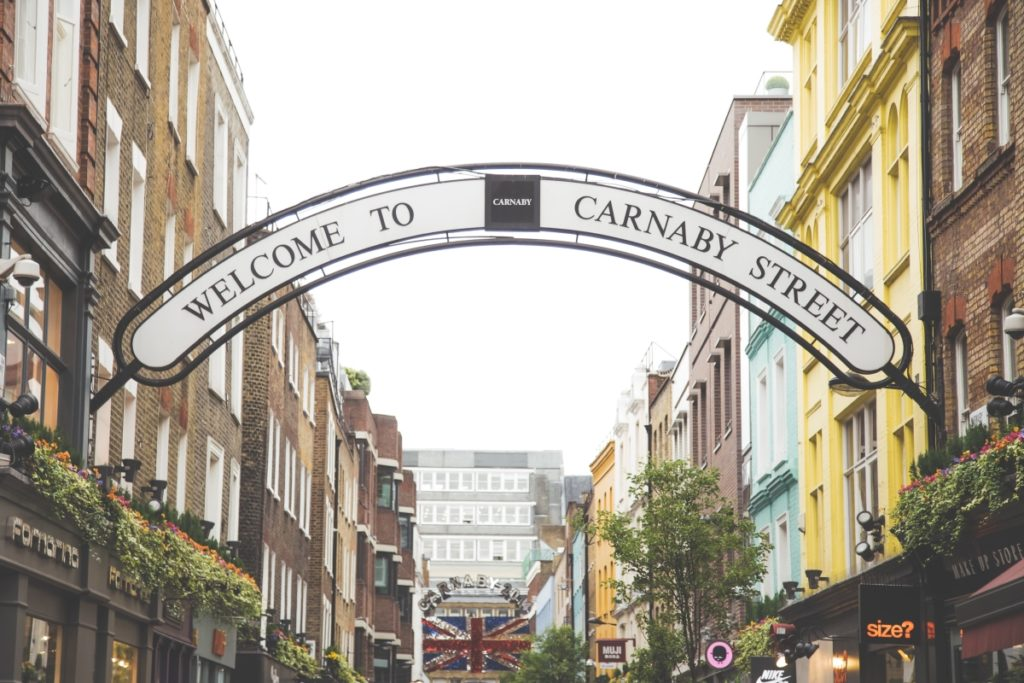 fare shopping a londra a Carnaby Street