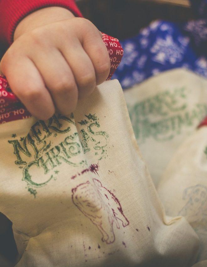 Natale: Giochi in legno e libri personalizzati da regalare ai bambini