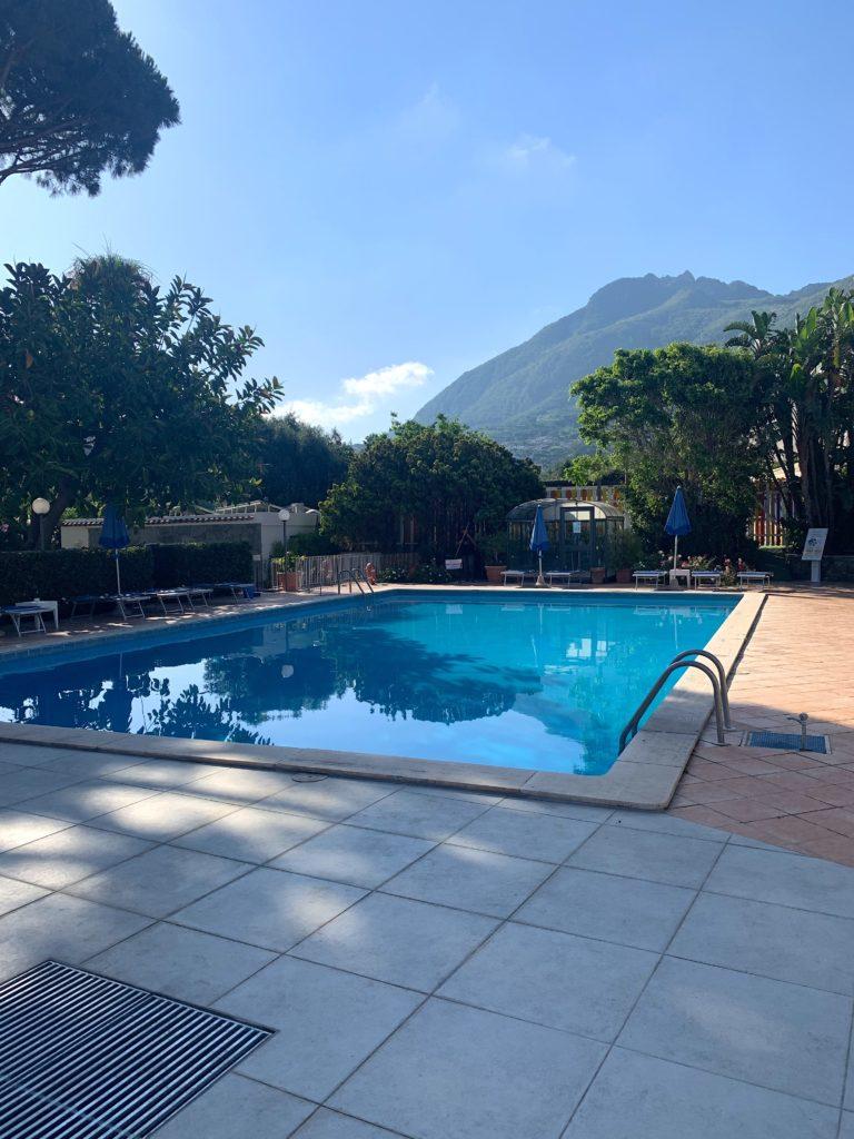 hotel le canne ischia vista piscina