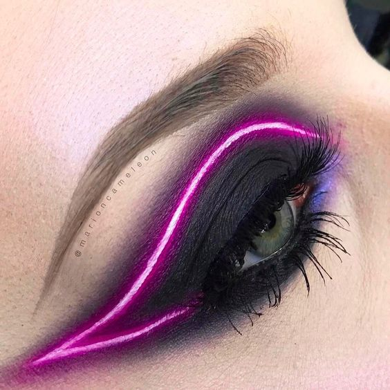 neon eyeliner tendenza