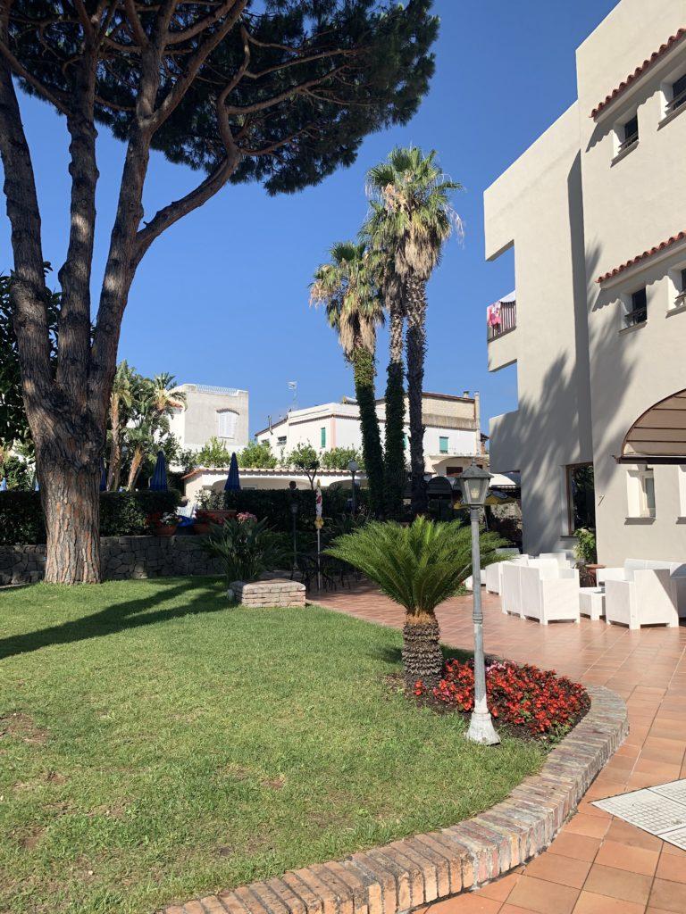 spazi verdi hotel le canne ad Ischia