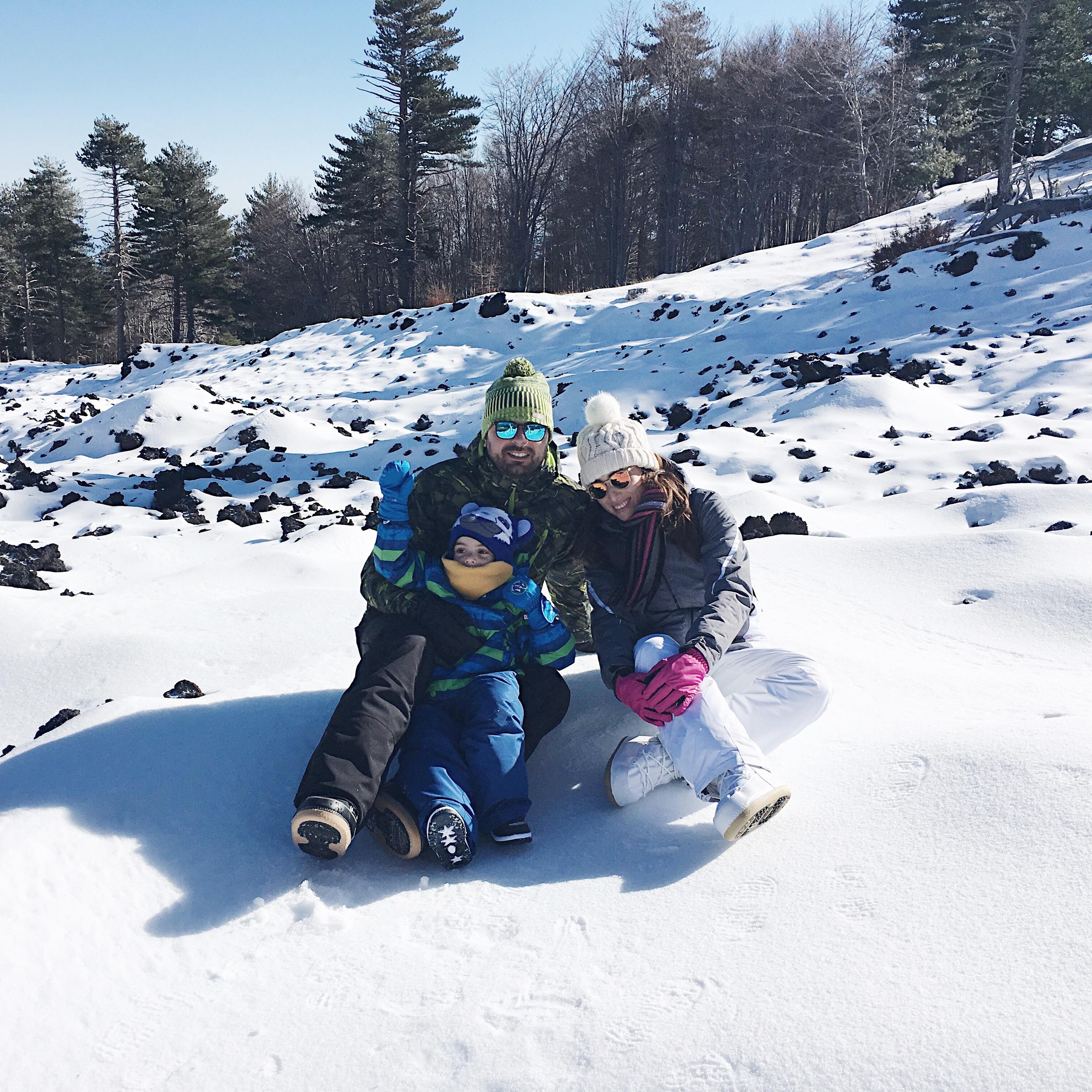 vacanza sulla neve famiglia