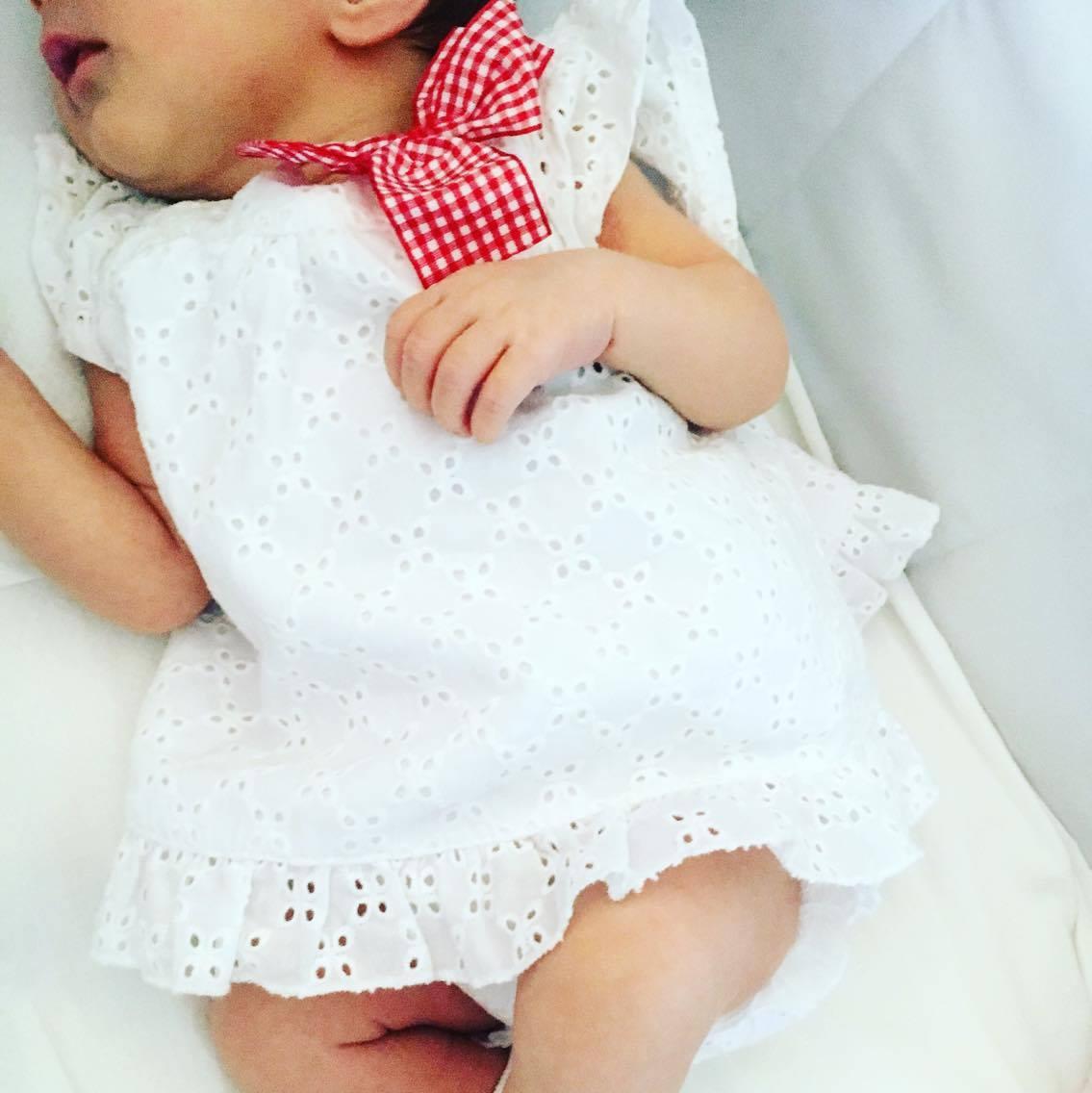 vestire-neonati-pizzo