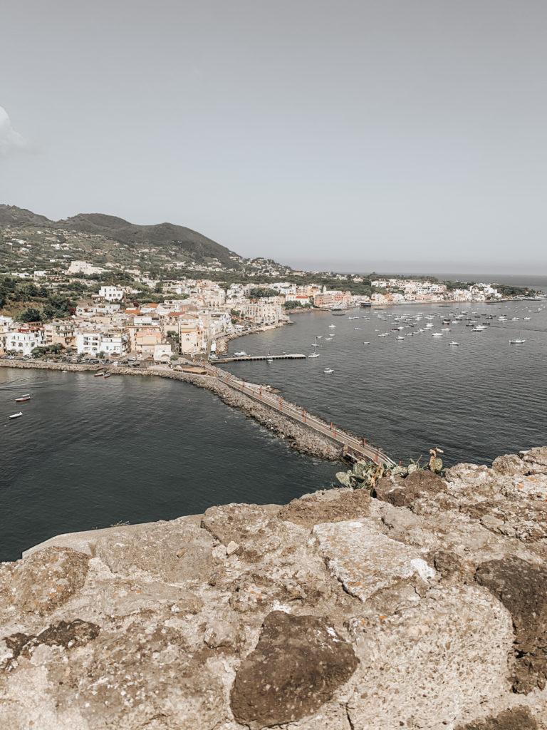 vista dal belvedere del castello Aragonese